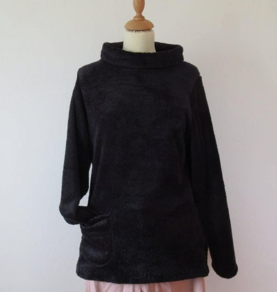 Chic pullover, feminine long jumper